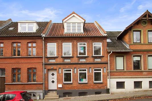 Villa på Carolinelundsvej i Horsens - Ejendommen