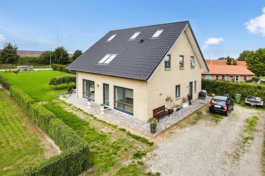 Villa på Haremarksvej i Løsning - Mastefoto