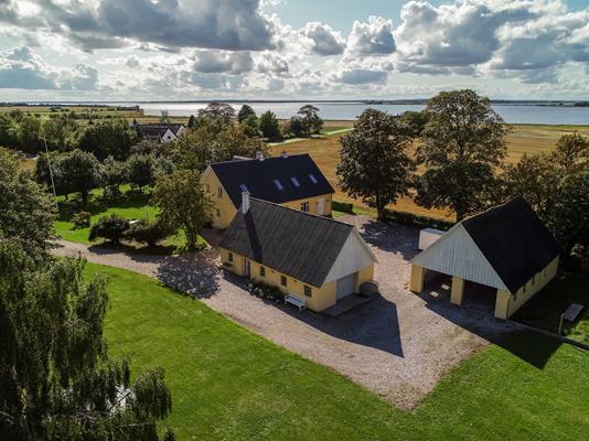 Villa på Mantelenvej i Odder - Luftfoto