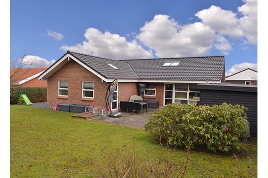Villa på Torshøjvænget i Hasselager - Ejendommen