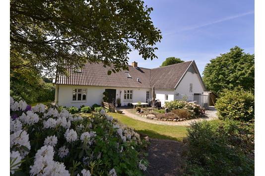 Villa på Østergårdsvej i Malling - Ejendommen