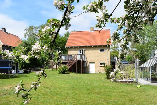 Villa på Hovedvejen i Hasselager - Ejendommen