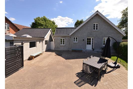 Villa på Kunnerupvej i Hasselager - Ejendommen