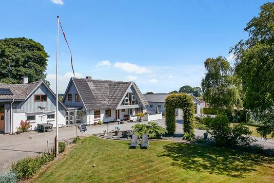 Villa på Barrit Langgade i Barrit - Mastefoto
