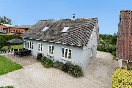 Villa på Barrit Langgade i Barrit - Ejendommen