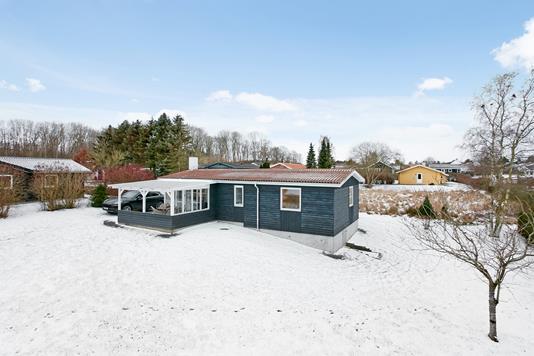 Fritidsbolig på Pøt Strandby i Juelsminde - Ejendommen