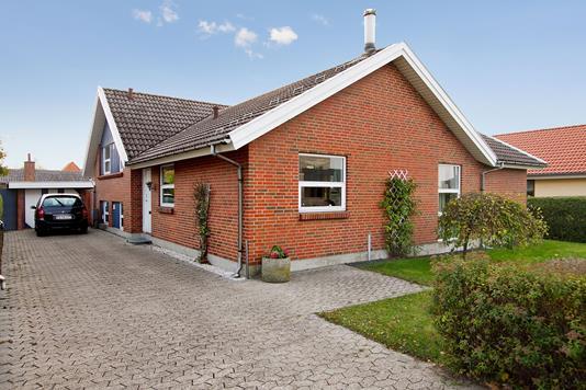 Villa på Strandvejen i Juelsminde - Ejendommen