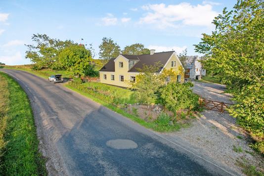 Landejendom på Smouenvej i Rønde - Ejendom 1
