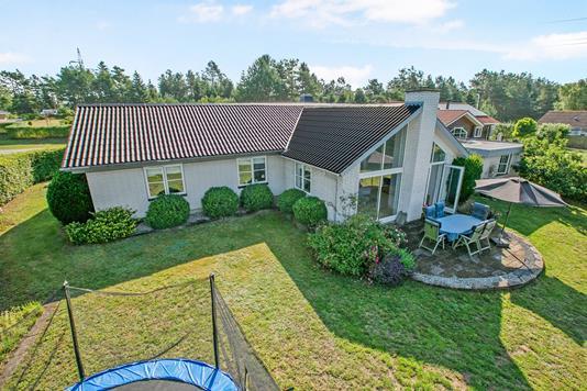 Villa på Stationsvej i Rønde - Ejendom 1