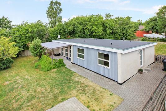 Villa på Lillerupvej i Rønde - Ejendommen