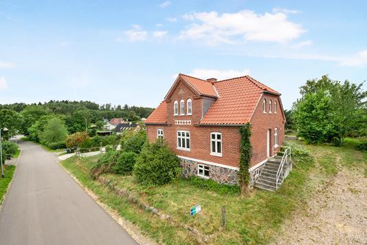 Villa på Nauhøjvej i Rønde - Ejendom 1