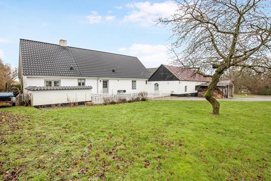 Villa på Føllevej i Rønde - Ejendom 1