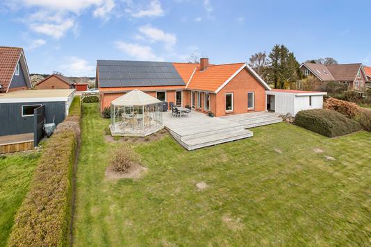 Villa på Trimmelbakken i Rønde - Ejendom 1