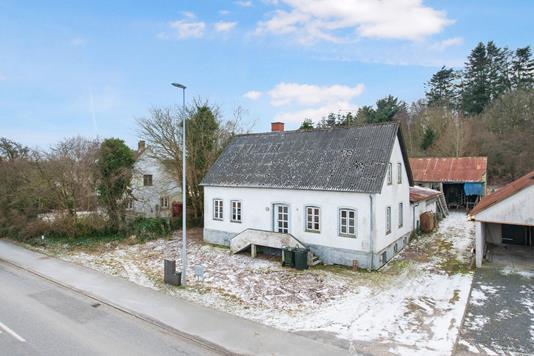 Villa på Ebeltoftvej i Rønde - Ejendommen