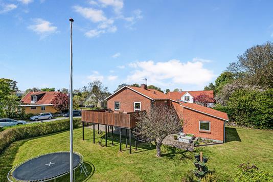 Villa på Bygaden i Rønde - Ejendom 1