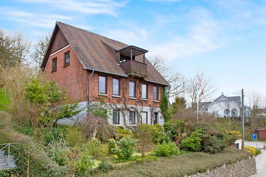 Villa på Frederiks Alle i Rønde - Ejendommen