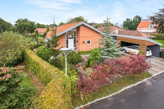 Villa på Bjerg-Thomsensvej i Rønde - Ejendommen