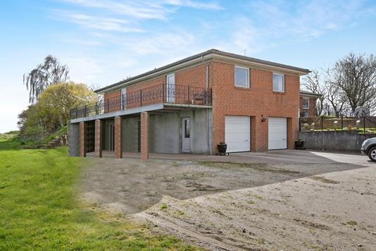 Villa på Stovbakken i Mørke - Ejendommen