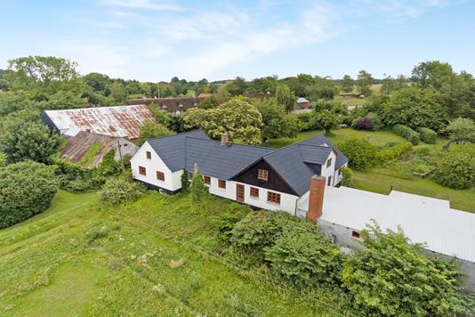 Villa på Kærtoften i Rønde - Luftfoto
