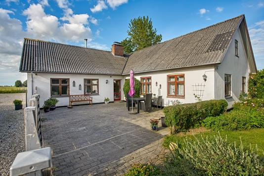 Villa på Skanderborgvej i Hinnerup - Ejendommen