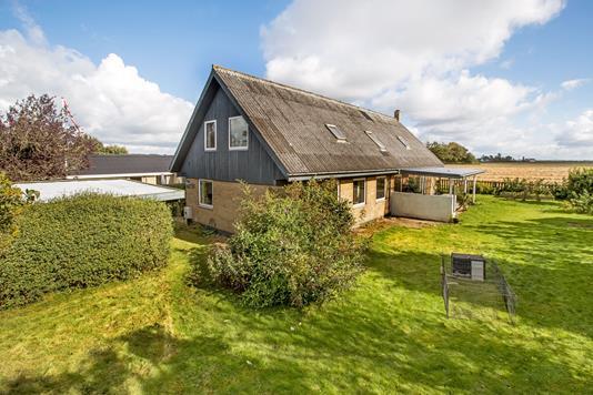 Villa på Byvænget i Hinnerup - Mastefoto