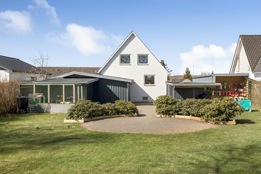 Villa på Kløvervej i Hinnerup - Ejendommen