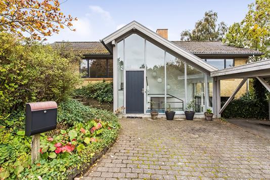 Villa på Ruholmsvej i Hinnerup - Ejendommen