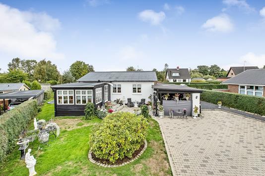 Villa på Bøgevej i Hinnerup - Ejendommen