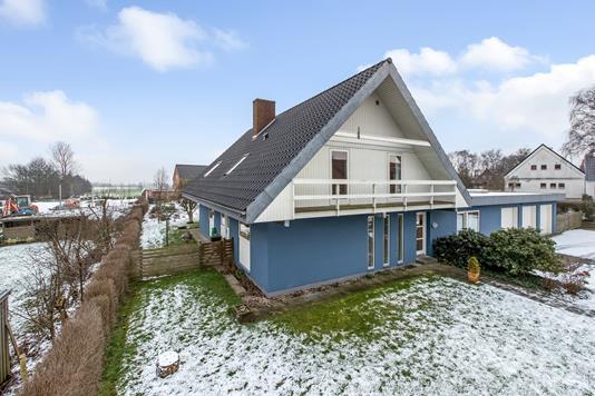 Villa på Hvidbjergvej i Trige - Ejendommen