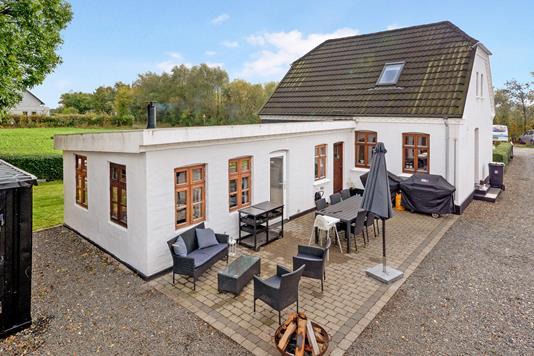 Villa på Solkærvej i Hinnerup - Ejendommen