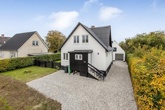 Villa på Randersvej i Trige - Ejendommen