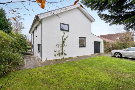 Villa på Dybkjærvej i Aarhus N - Ejendommen