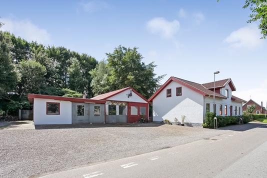 Villa på Åstruplundvej i Brædstrup - Ejendommen