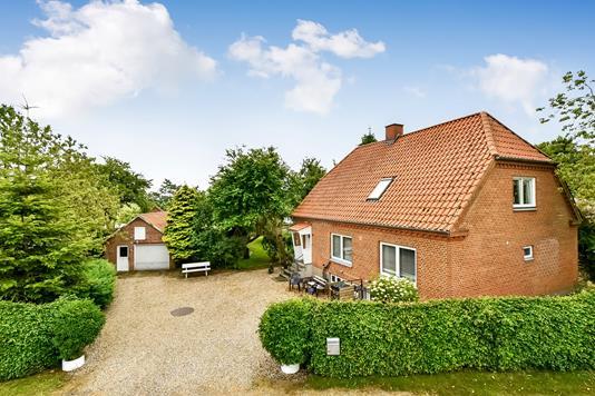 Villa på Silkeborgvej i Brædstrup - Ejendommen