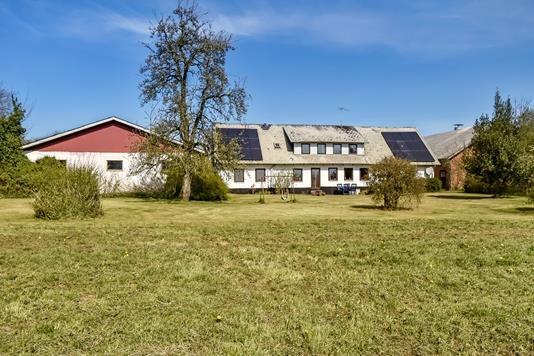Landejendom på Føvlingvej i Brædstrup - Ejendommen