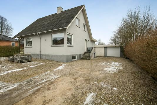 Villa på Storegade i Østbirk - Ejendommen