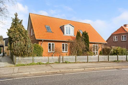 Villa på Gudenåvej i Brædstrup - Ejendommen