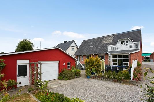 Villa på Storegade i Klovborg - Ejendommen
