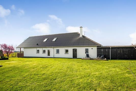 Villa på Burgårdevej i Brædstrup - Ejendommen