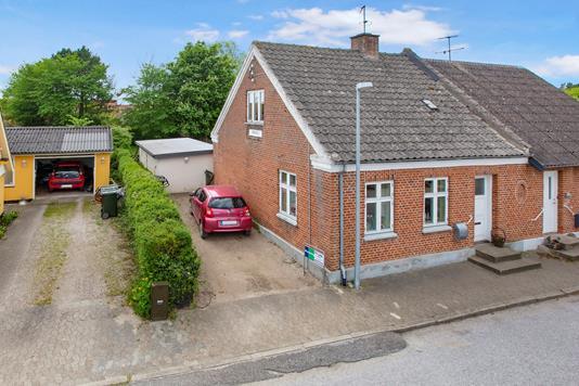 Villa på Kirkevej i Auning - Ejendom 1