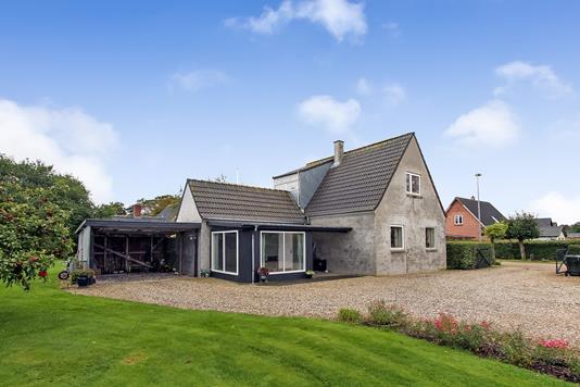 Villa på Lundkærsvej i Auning - Ejendommen