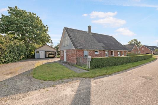 Villa på Voer Gade i Ørsted - Ejendom 1