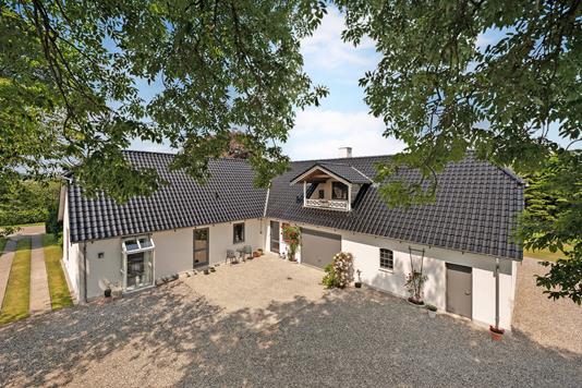 Landejendom på Skovsmindevej i Auning - Ejendom 1