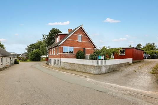 Villa på Munkhusevej i Allingåbro - Ejendommen