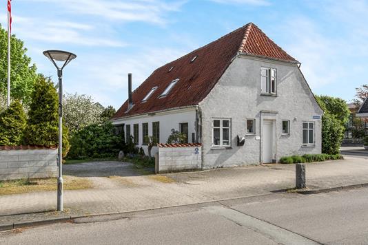 Villa på Kirkegade i Auning - Ejendommen