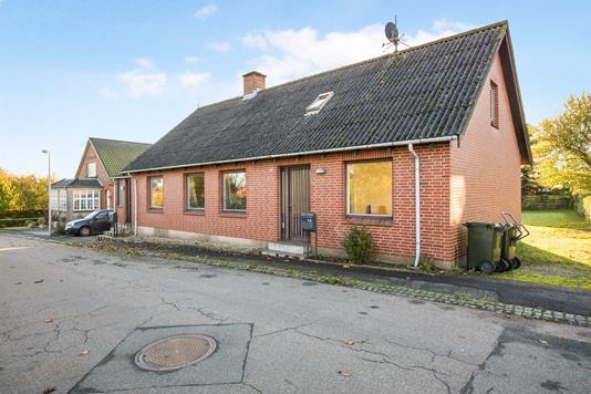 Villa på Søndergade i Allingåbro - Ejendommen