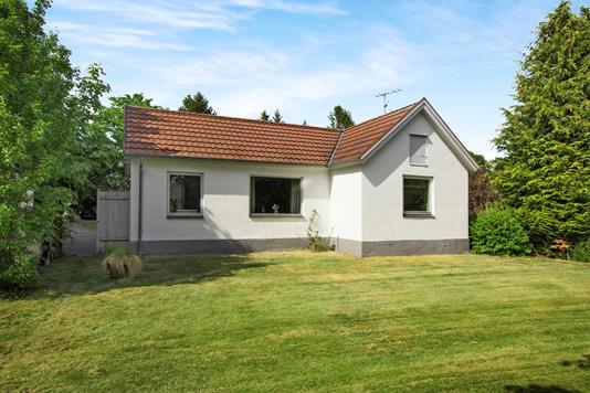 Villa på Kastrupvej i Ryomgård - Ejendommen