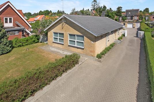 Villa på Vestergade i Ryomgård - Ejendom 1