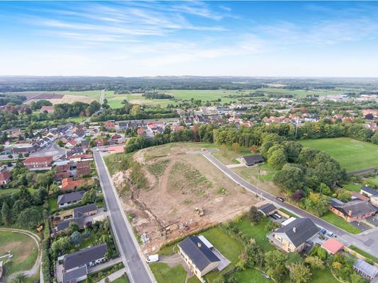 Helårsgrund på Kastanievej i Ryomgård - Luftfoto