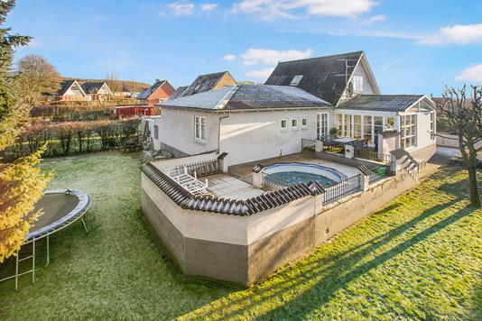 Villa på Kongsvej i Ryomgård - Ejendommen